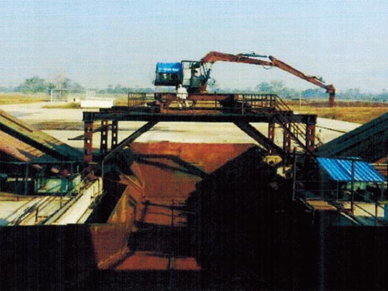 SET OF EQUIPMENT FOR SUGAR-CONE AUTO-UNLOADING CONVEYOR