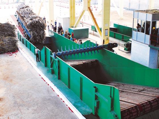 自动卸蔗输送机